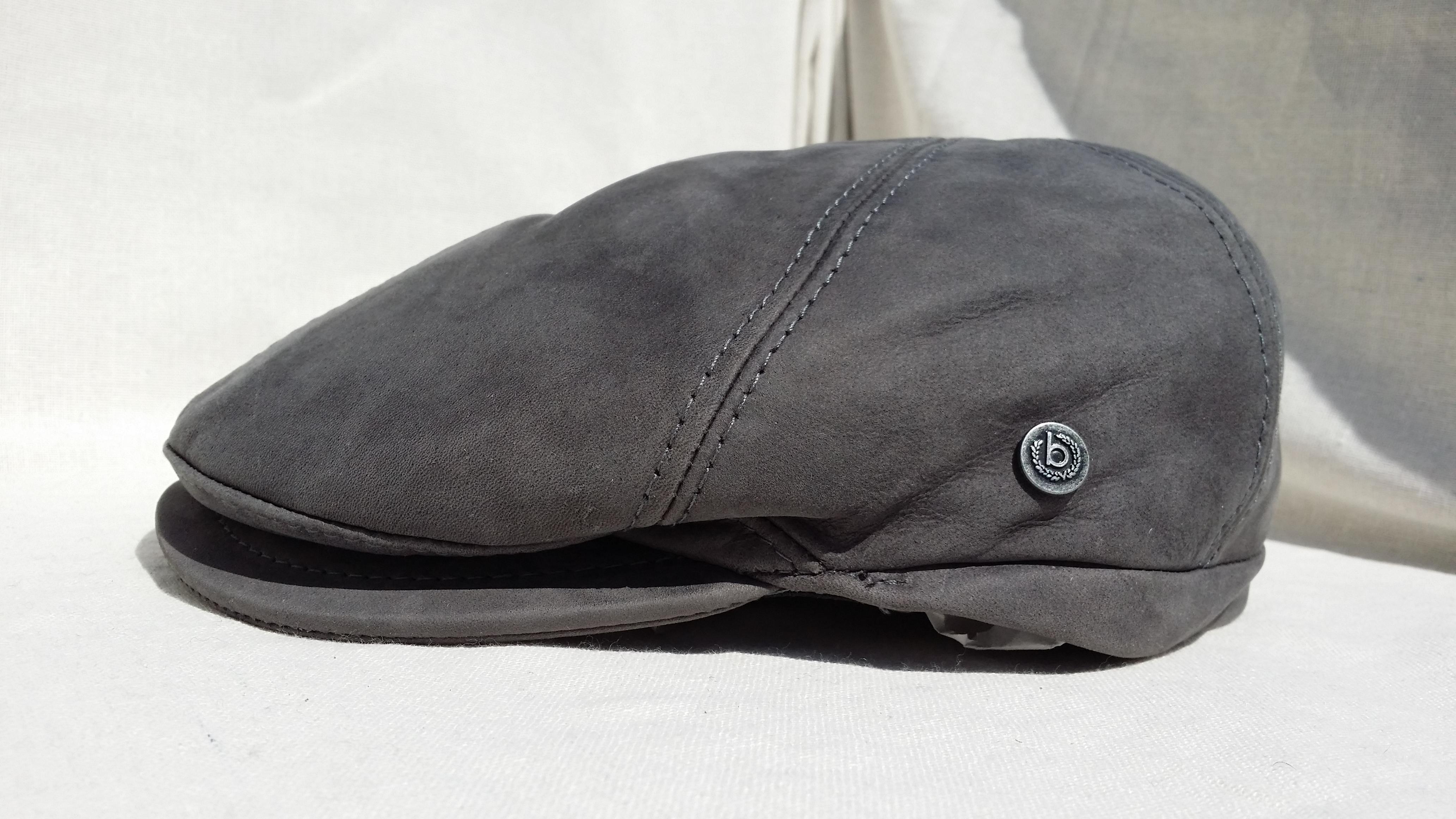 casquette en cuir couleur gris souris de chez bugatti. Black Bedroom Furniture Sets. Home Design Ideas