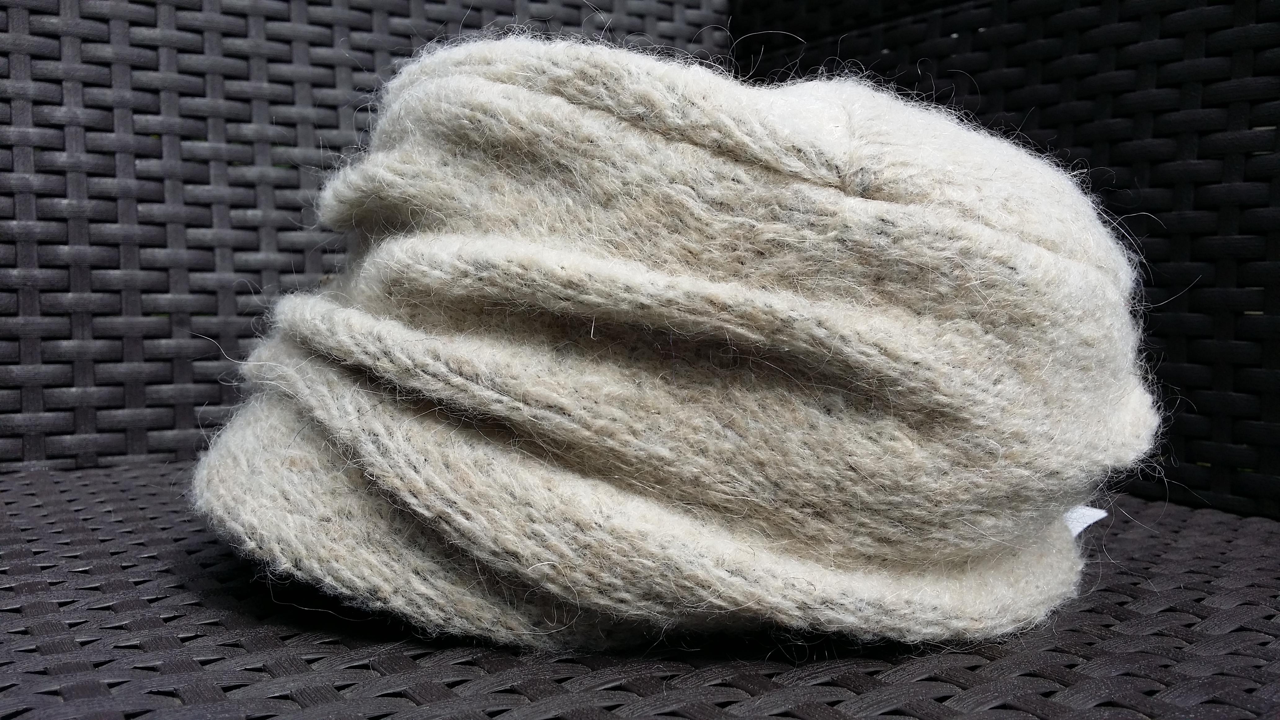 casquette bonnet femme en laine bouillie et mohair. Black Bedroom Furniture Sets. Home Design Ideas