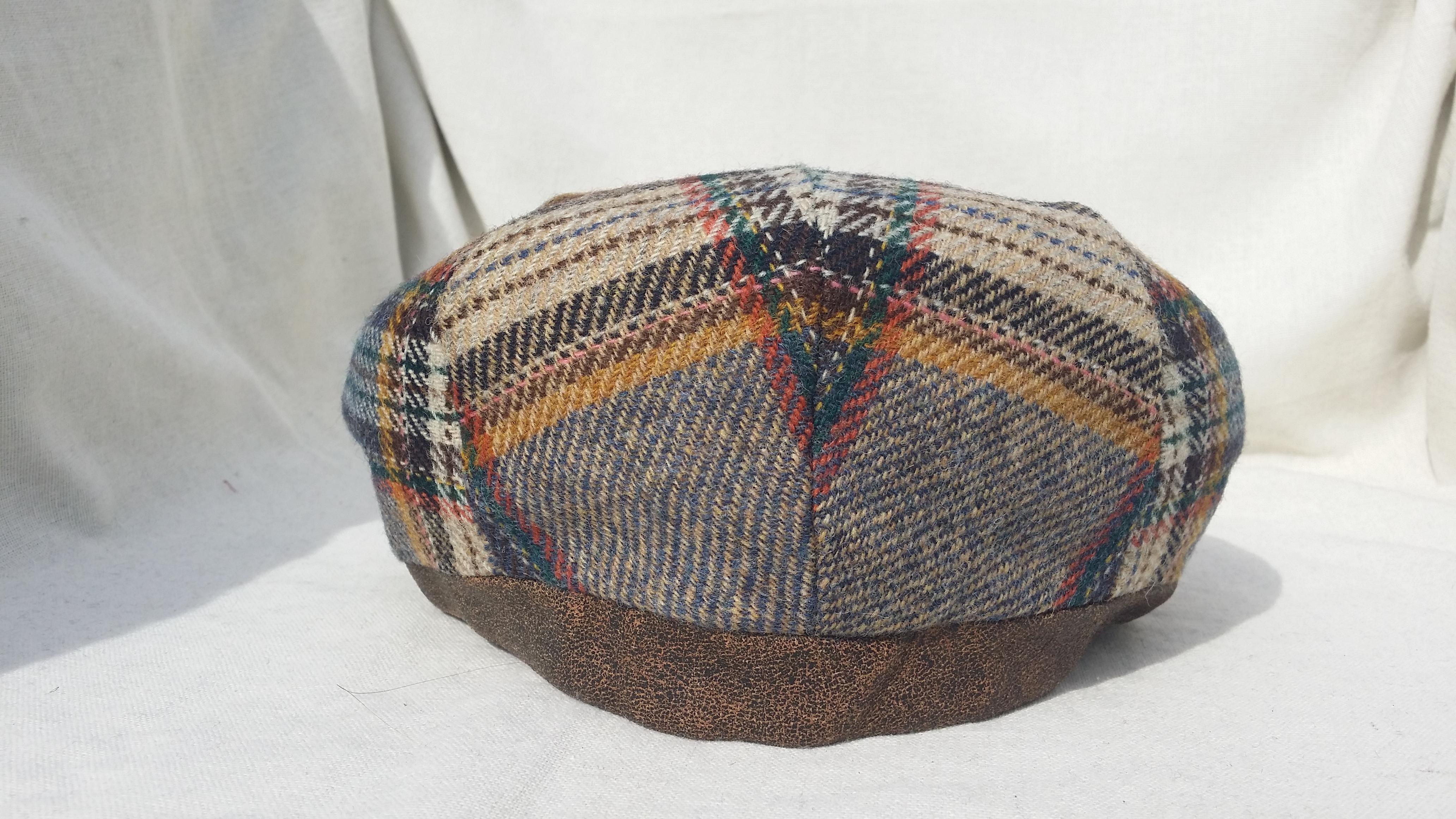 casquette plate en laine vierge et cuir emilia bristol. Black Bedroom Furniture Sets. Home Design Ideas